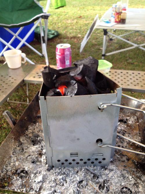 これを使えば簡単に炭に火がつく。
